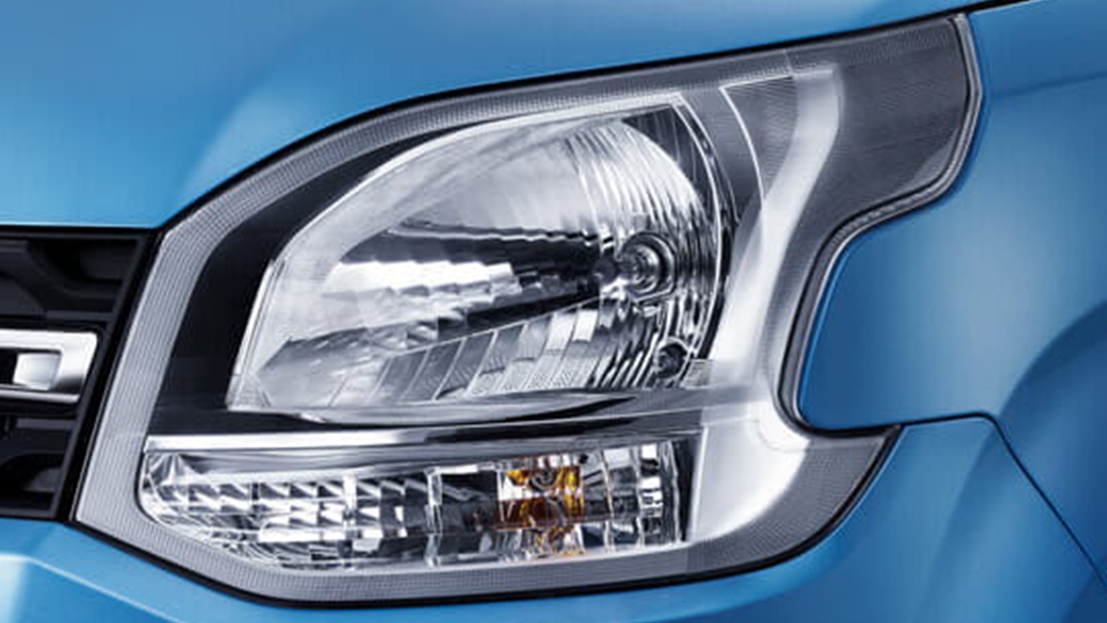 Unique Dual-Split Headlamps