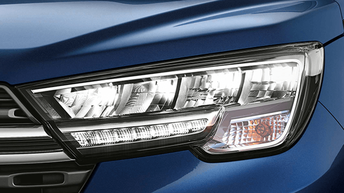 Quad LED Headlamps With DRLs